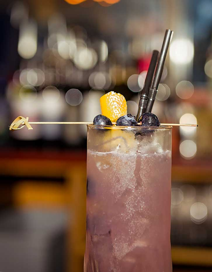 The-Old-Frizzle-Drinks-cocktail-1